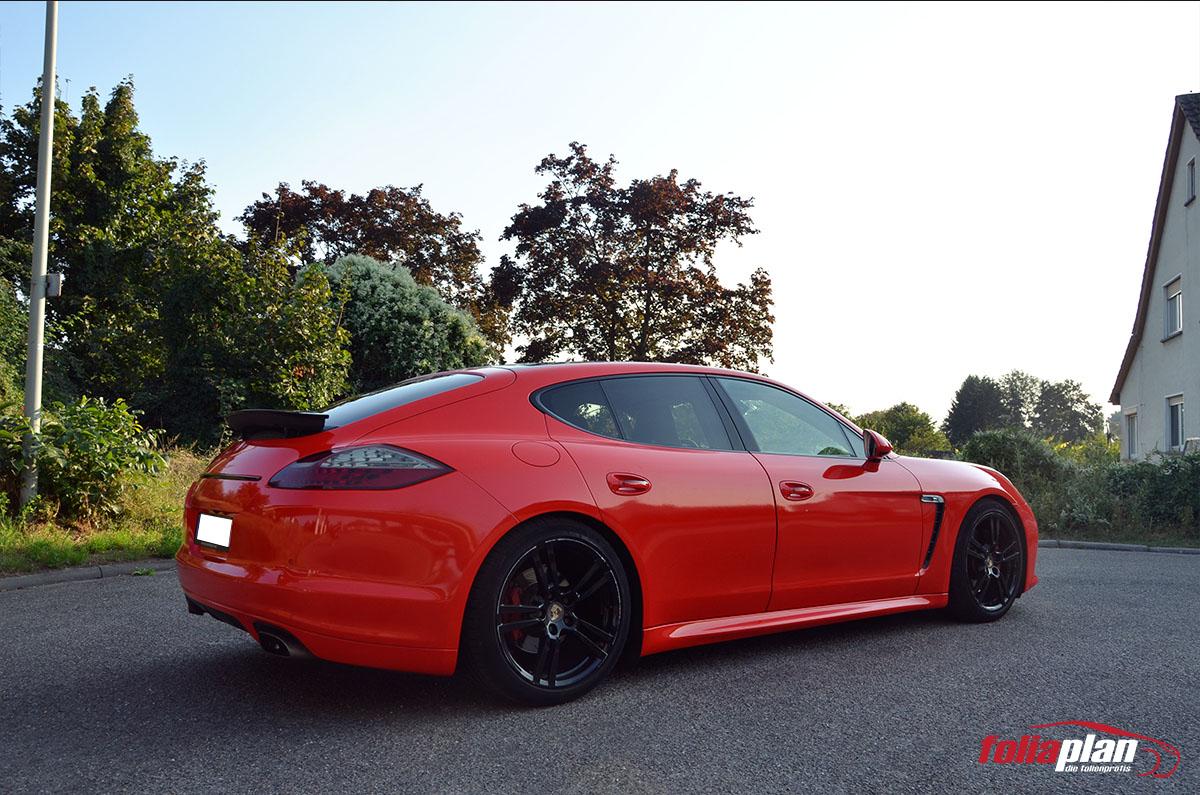 Porsche Panamera Rot Glanz folierung foliaplan